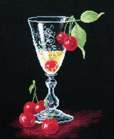 Бокал с вишнями вышивка